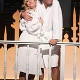 """Dorkas Kiefer und Hugo Egon Balder stehen in Hamburg im Winterhuder Fährhaus für die Komödie """"Sei lieb zu meiner Frau"""" auf der B"""