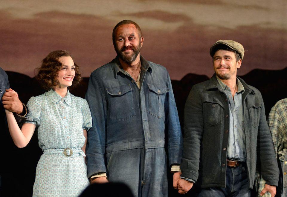 """Leighton Meester, Chris O'Dowd und James Franco stehen am Broadway für die Premiere von """"Of Mice and Men"""" auf der Bühne."""
