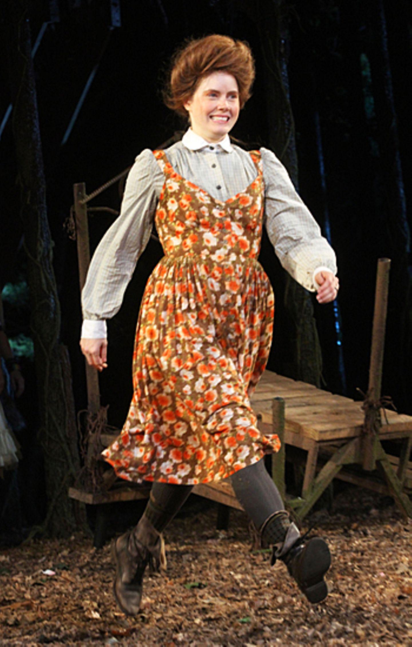 """Amy Adams spielt am New Yorker Broadway in dem Stück """"Into The Woods"""" nach einem Musical von Stephen Sondheim."""