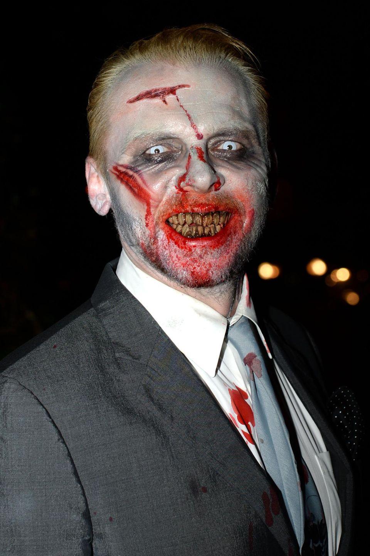 Simon Pegg gibt einen gruseligen Zombie.