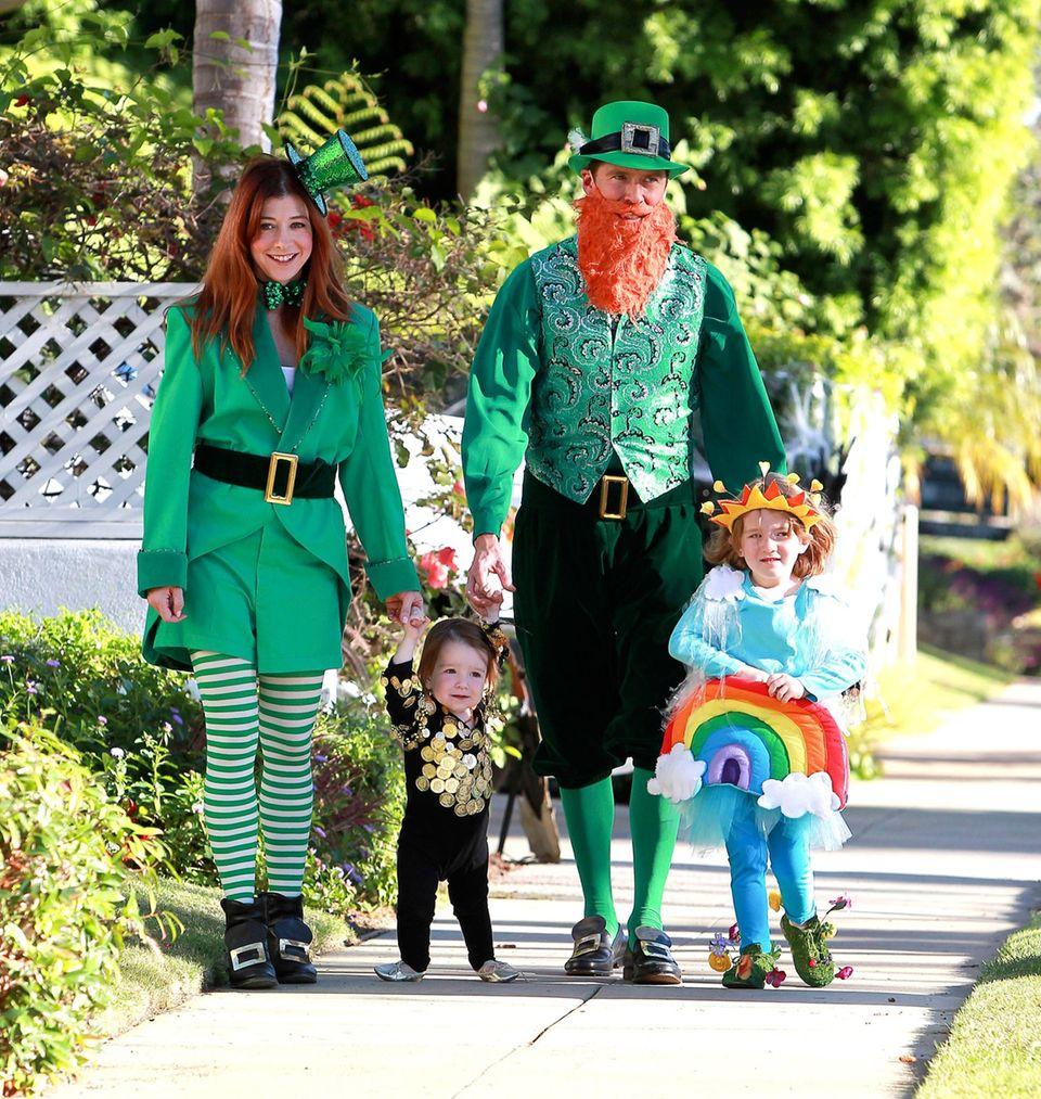Alyson Hannigan macht mit ihrer Familie als irische Kobolde die Straßen unsicher.