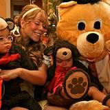 """Mariah Carey und ihre Zwillinge Monroe und Moroccan wünschen """"Happy Halloween"""". Nur wo ist Papa Nick Cannon abgeblieben? Kleiner"""