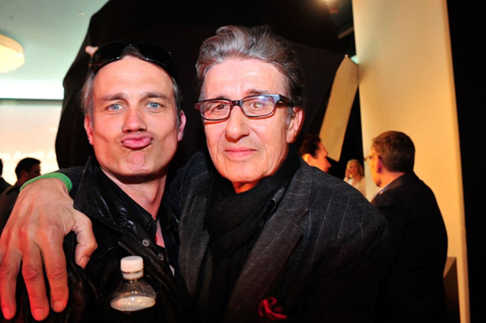 New Faces Award: Ralf Bauer und Rolf Zacher sind eindeutig in Partylaune.