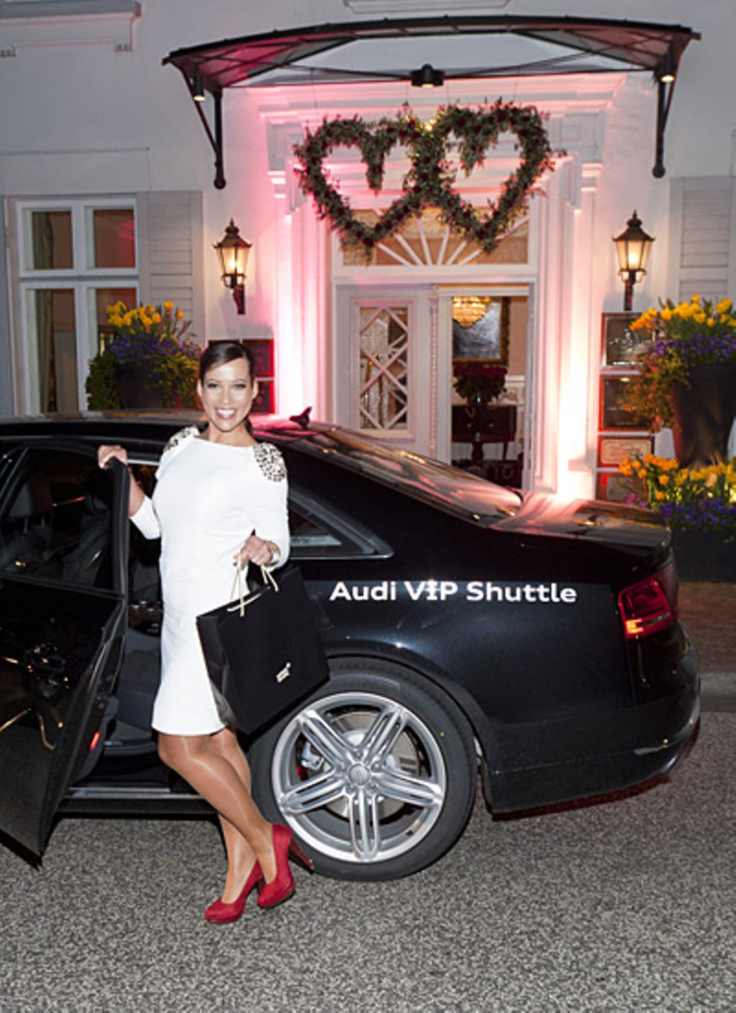 Mit dem Audi VIP Shuttle lässt sich Nandini Mitra sicher nach Hause bringen.