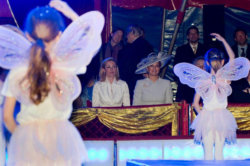 Niederlande Staatsbesuch: Gemeinsam mit Klaus Wowereit, Christian und Bettina Wulff besuchen Königin Beatrix, Prinz Willem-Alexa