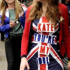 Dieses Mädchen scheint Catherine ein wenig zu beneiden.