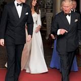 Prinz William und Catherine machen sich mit Prinz Charles und Camilla auf zur Party.