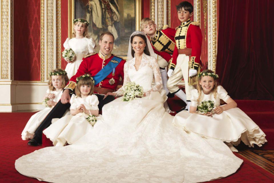 Ein letztes Foto gab's mit dem Brautpaar und den Blumenkindern sowie den Pagen.