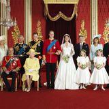 Und hier hat sich die gesammelte Hochzeitsfamilie fürs Foto zusammengestellt.