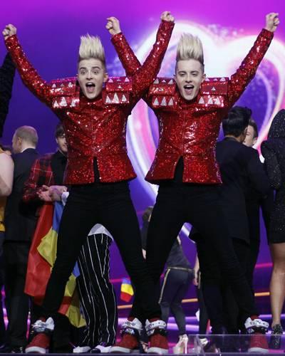 """Für Irland treten die quirligen Zwillinge der Gruppe """"Jedward"""" an. Nicht nur ihr Song """"Lipstick"""" ist poppig, sondern auch ihr Er"""