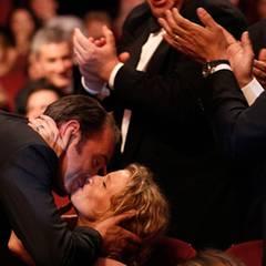 """Filmfestival Cannes: Jean Dujardin wird als """"Bester Hauptdarsteller"""" geehrt. Der erste Moment nach der Bakanntgabe gehört ihm un"""