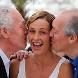 Filmfestival Cannes: Cecile De France wird von Jean-Pierre und Luc Dardenne in die Kuss-Mangel genommen.