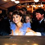 Filmfestival Cannes: Auch Penélope Cruz ist nach der Filmvorführung sichtlich gut gelaunt.