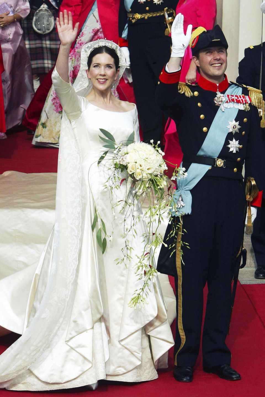 Royale Hochzeitskleider: 14. Mai 2004: Prinzessin Mary und Prinz Frederik von Dänemark