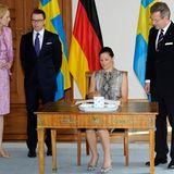 Schweden Staatsbesuch: Die Vier führen ein ausgiebiges Gespräch.