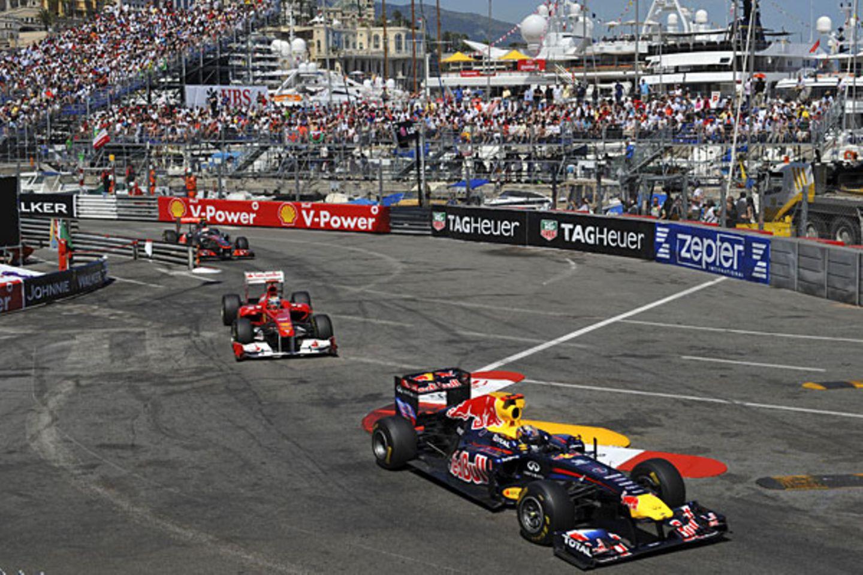 Sebastian Vettel, dicht gefolgt von Fernando Alonso und Jenson Button.