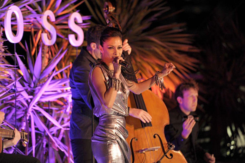 Nicole Scherzinger sorgt mit ihrer Band für beste Stimmung.