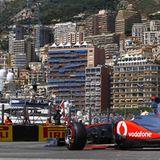 Volle Konzentration: Selbst im freien Training kann Lewis Hamilton im McLaren-Mercedes diesen Ausblick nicht genießen.