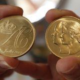 Zur Erinnerung an die Fürstenhochzeit werden Münzen mit Datum, Initialen und Antlitz des Brautpaares geprägt.