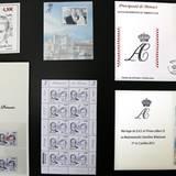 Es gibt Briefmarken in unterschiedlichen Varianten.