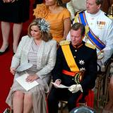 Prinzessin Máxima und Prinz Willem-Alexander nehmen hinter Maria Therea und Henri von Luxemburg Platz.