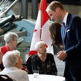 Staatsbesuch William und Kate: Nicht nur seine Kate, sondern auch die älteren Semester sind dem Charme von Prinz William verfall