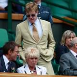 Wimbledon: Robert Redford hält es vor Spannung nicht auf dem Platz.