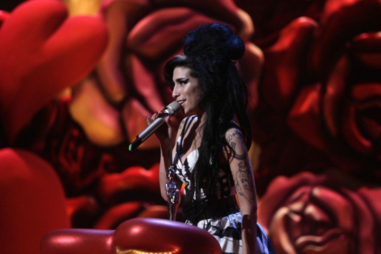"""Bei den """"Brit Awards"""" gewintn sie in der Kategorie """"Beste britische Sängerin""""."""