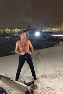 """Zu diesem Bild schreibt David Hasselhoff auf Twitter: """"Finland...freezing?? Not for the Hoff."""""""