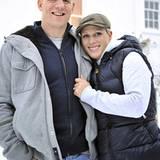 21. Dezember 2010: Endlich verlobt: Mike Tindall und Zara Phillips vor ihrem Haus in Gloucestershire-