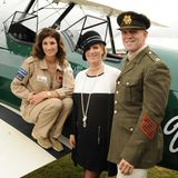 "September 2013  Zara Phillips und Mike Tindall treffen auf dem ""Goodwood Revival Festival"" die Pilotin der ""The Spirit of Artemis"". Tracey Curtis-Taylor wird im November von Kapstadt nach Goodwood, West Sussex, fliegen wie einst Lady Mary Heath 1928."
