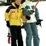 02. Januar 1998: Zara Phillips beim Skifahren mit Prinz Harry in Klosters.