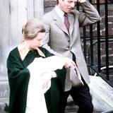 18. Mai 1981: Prinzessin Anne und Hauptmann Mark Phillips mit ihrer drei Tage alten Tochter Zara.