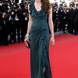 Beim Filmfestival in Cannes begeistert Charlotte in einer grünen Robe von Gucci.
