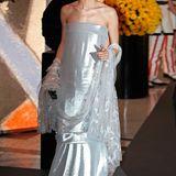 Ein Traum in Silber: Charlotte Casiraghi glänzt beim Rosenball in Monaco in einer Robe von Chanel Couture.