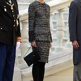 Eher schlicht im schwarz-weißen Chanel-Dress zeigt sich Charlotte am Nationalfeiertag in Monte Carlo. Hingucker sind aber die Ke