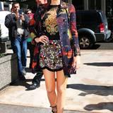 Für das Outfit von John Galliano werden ca. 6000€ fällig.