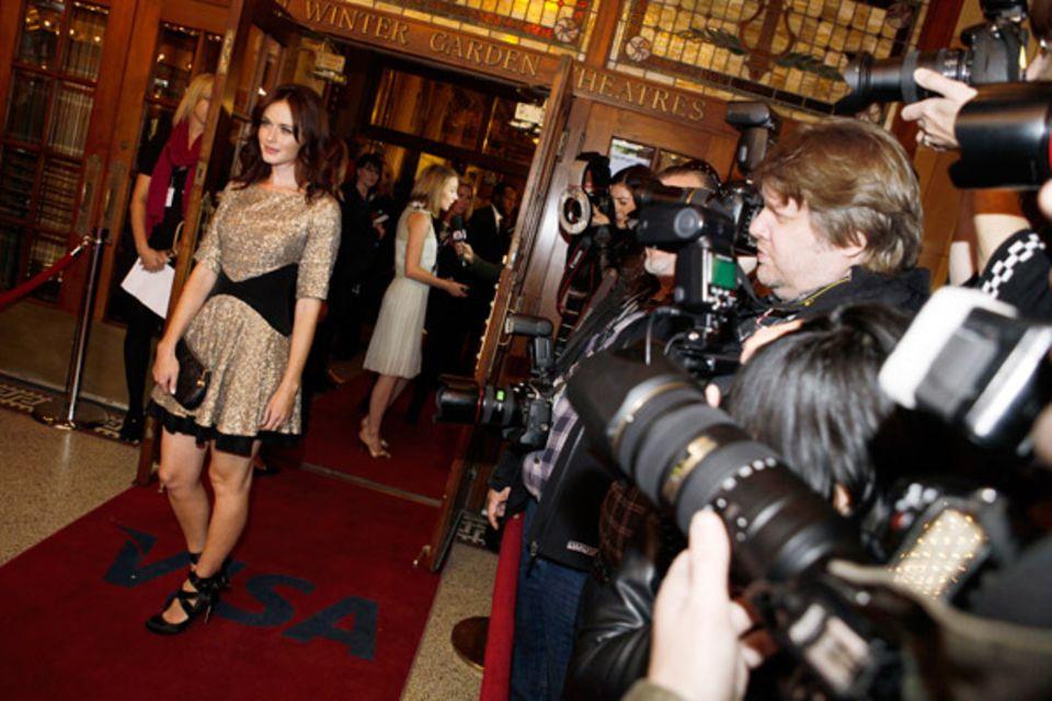 """Alexis Bledel kommt auf der Premierenfeier von """"Violet & Daisy"""" an."""