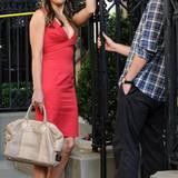 """Liz Hurley flirtet 2011 bei """"Gossip Girl"""" mit Chace Crawford."""