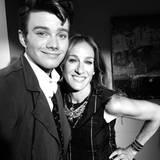 21. August 2012: Chris Colfer twittert ein Bild von sich und Sarah Jessica Parker bei den Dreharbeiten zu der vierten Staffel vo
