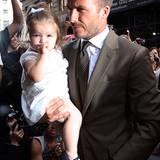 Harper Seven Beckham zeigt sich in New York in einer süßen Schwarz-Weiß-Kombination.