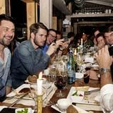 Beim Dinner in der Sansibar herrscht ausgelassene Stimmung.
