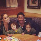 Gemeinsam holen Mariah Carey und Nick Cannon ihre Zwillinge Moroccan und Monroe vom Karateunterricht ab.