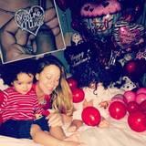 Familie Carey verschickt über Instagram Grüße zum Valentinstag.