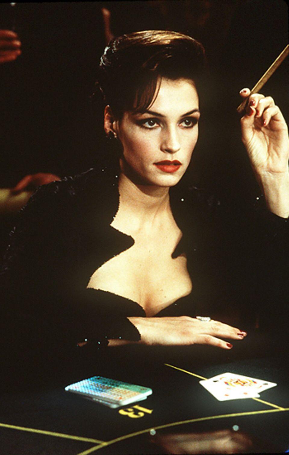 """Bond Girls: Famke Janssen 1995 in """"GoldenEye"""""""