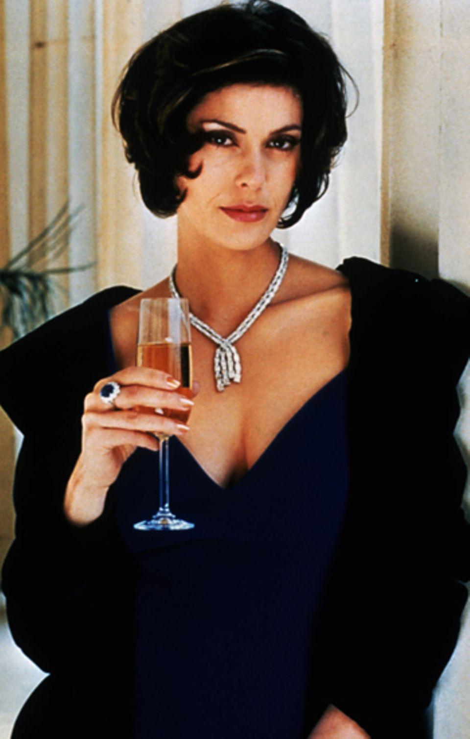 """Bond Girls: Teri Hatcher 1997 in """"Der Morgen stirbt nie"""""""