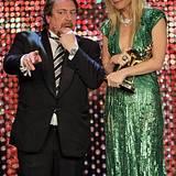 Gwyneth Paltrow ist jetzt stolze Besitzerin eines Bambis als Beste Internationale Schauspielerin. Laudator Armin Rohde erklärt n