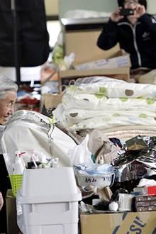 11. März 2011: Katastrophe in Japan - Nach Erdbeben der Stärke 9,0 und Tsunamifluten betrauern Japan und die Welt tausende Todes