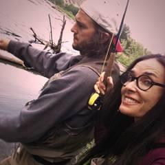16. Juli 2011: Gemeinsame Hobbys verbinden bekanntlich. Demi Moore scheint das Angeln mit ihrem Liebsten jedenfalls Spaß zu mach