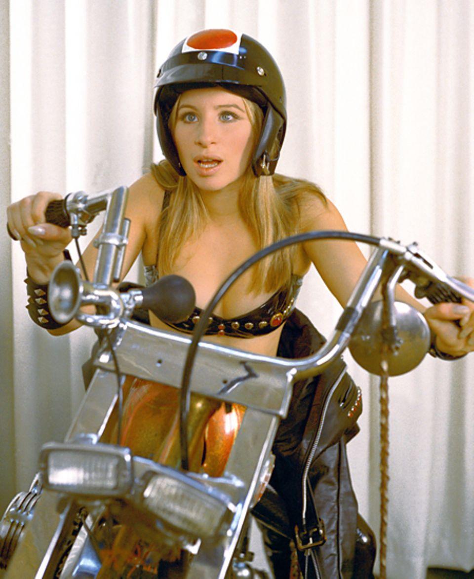 Stars & Bikes - Prominente und ihre Motorräder:  Barbra Streisand, Harley-Davidson Shovelhead Chopper Custombike